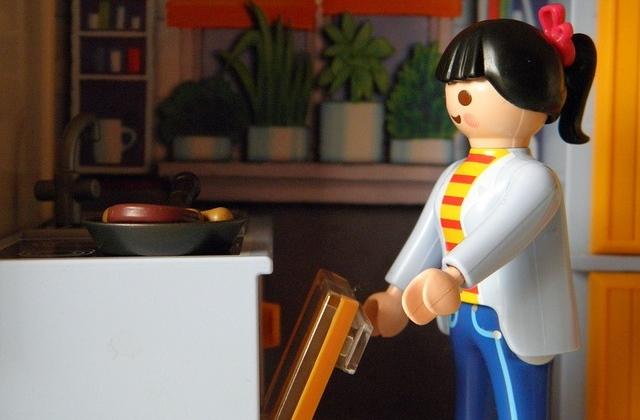 housework gender gap - playmobil woman cooking